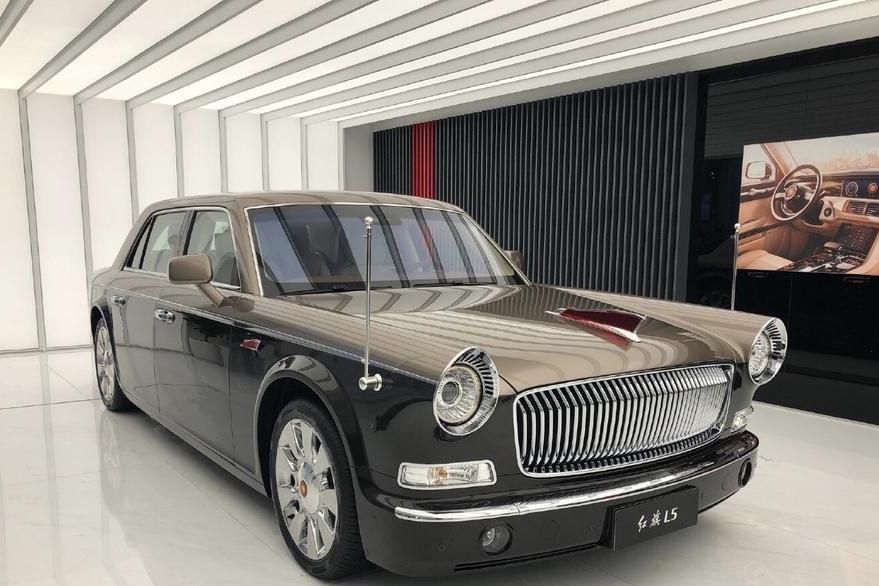 红旗定制版新车发布,起售达千万,双色工艺档次超宾利慕尚