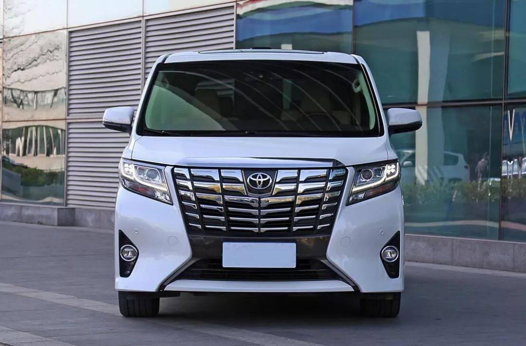 丰田埃尔法加价30多万,经销商也是迫不得已?