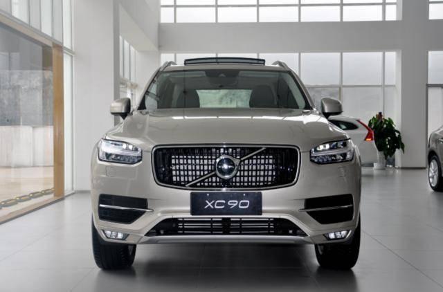 沃尔沃迎来新款SUV,外观再度升级,网友:对标德系豪车也不虚