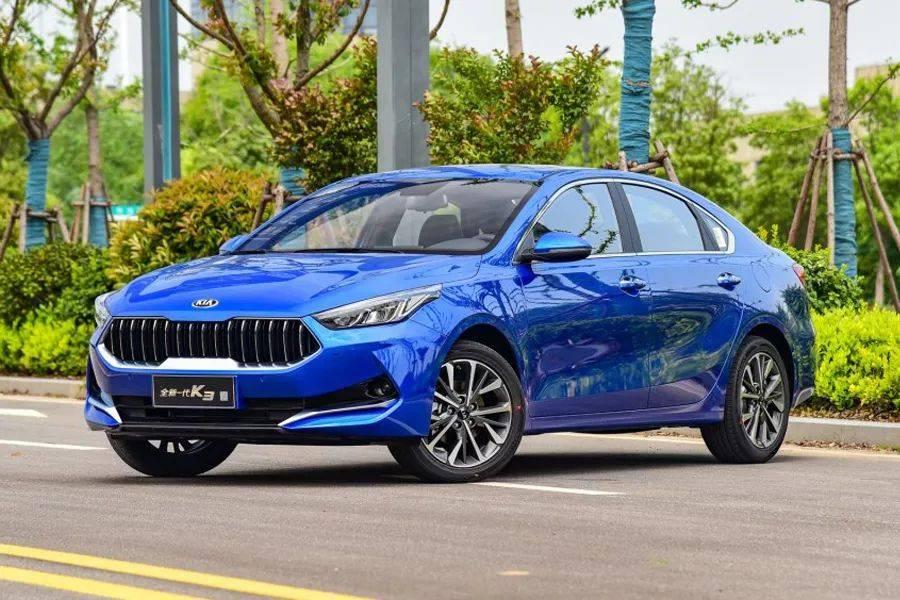 紧凑型轿车之间的对决,全新起亚K3对比大众朗逸,谁更值得买?