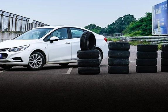 旧胎跟新胎,刹车距离究竟差多少?实测结果令人意外!