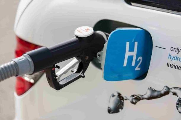 """电动没补贴了,众厂商立马""""调头换道""""玩氢能源车,行吗?"""