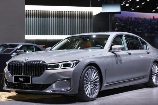 「e汽车」售82.80-242.80万元 新款宝马7系上市
