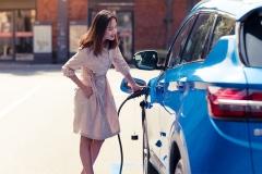 吉利缤越PHEV上市补贴后13.98万起 更实用的新能源SUV