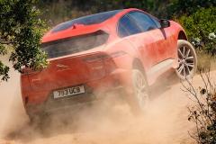 捷豹终于出手了,首款电动SUV破百4.8秒,售价比预期要好