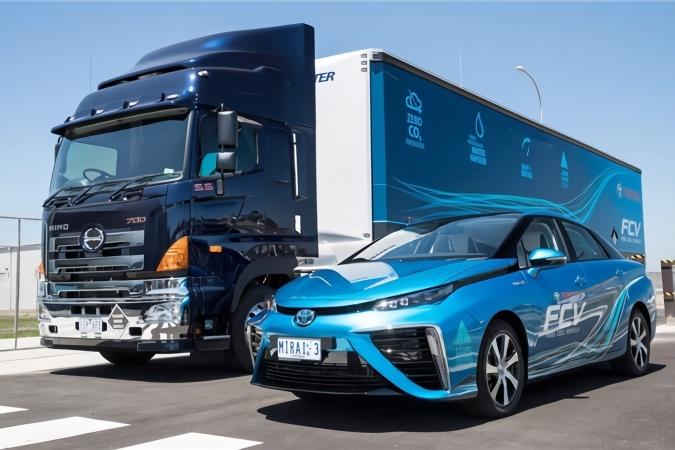 """网友盛传""""氢燃料电池汽车就是移动的炸弹"""",你信吗?"""