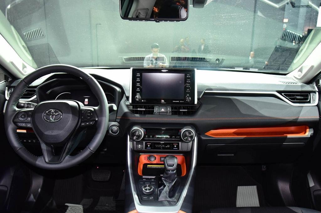 10月上市/新增2.5L混动车型,全新一代RAV4荣放将增低油耗新标签