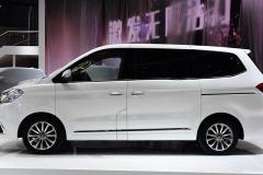 23万的国产MPV,车长6米花费26亿研发,搭载宝马2.0T发动机