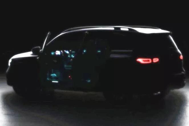 奔驰全新7座SUV亮相倒计时,未来还会国产!