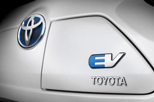 路咖评:丰田要被比亚迪和宁德时代拯救?