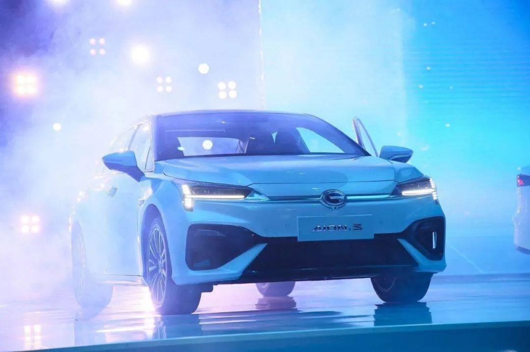 钟观 | 首届中国汽车金象奖评选揭晓,Aion S荣获年度新能源车大奖