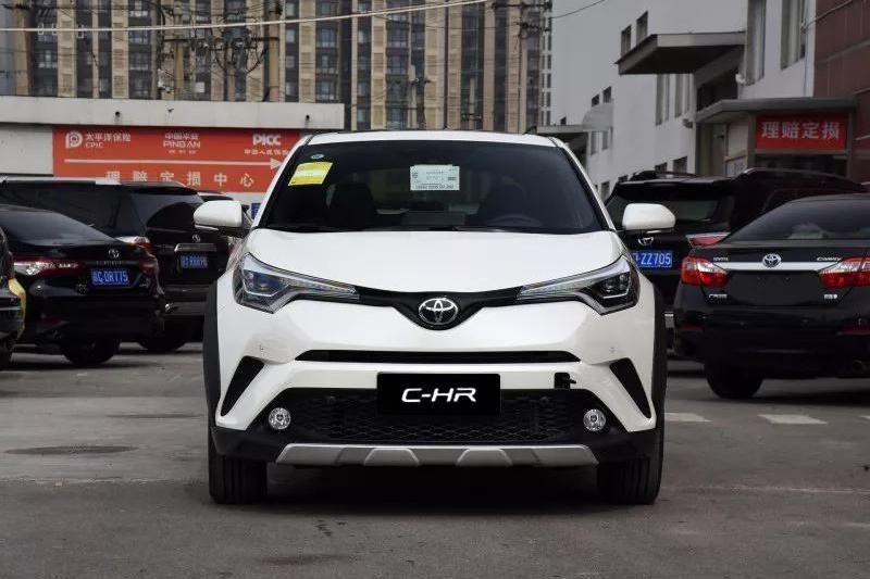 15万预算满足国六标准的小型SUV来了,外观酷炫,动力平顺又好开!