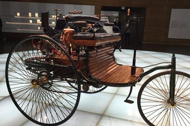 回顾百年汽车设计史,什么样的车能够载入史册?