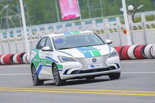 路咖与车:续航520公里 长安逸动EV520对比比亚迪秦EV500