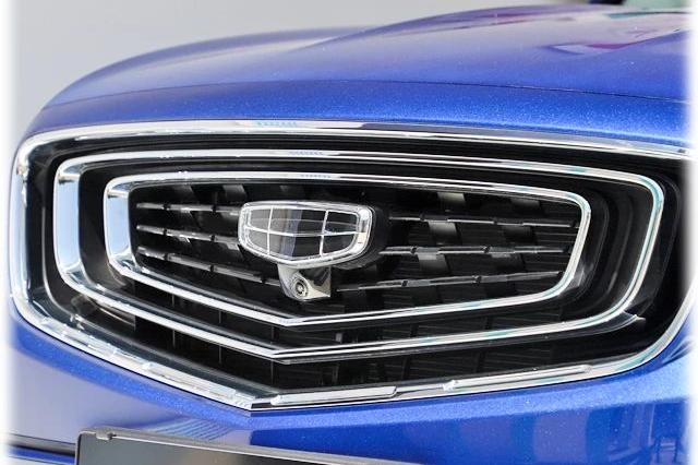 吉利爆款SUV又出新款,竞争力提升不止一丁半点!【实拍】