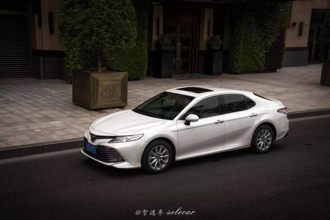 试驾2019款凯美瑞,换装新款2.0L自吸发动机,热效率高达40%!