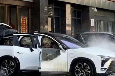 特斯拉:上海自燃事故未发现系统缺陷!见鬼了?