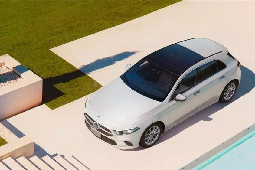 奔驰全新A级两厢上市,别把隔壁的新款AMG E63 S给忘了!