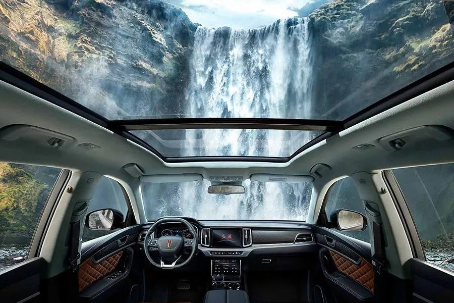 气势不输BBA,34.98万起售,红旗首款中大型SUV HS7上市!