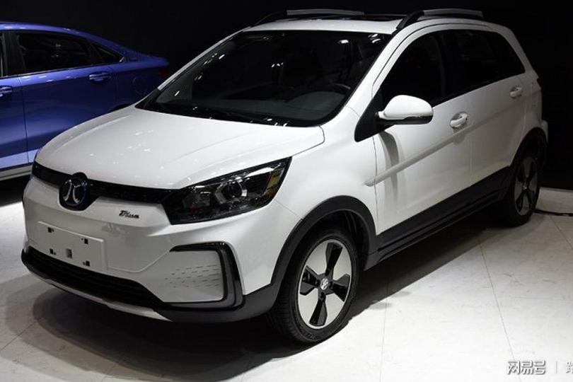 路咖与车:三个配置哪款更值? 北汽新能源EC5车型分析