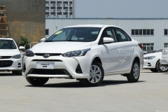 十万元落地的日系小型车:丰田YARiS L 致享对比本田锋范