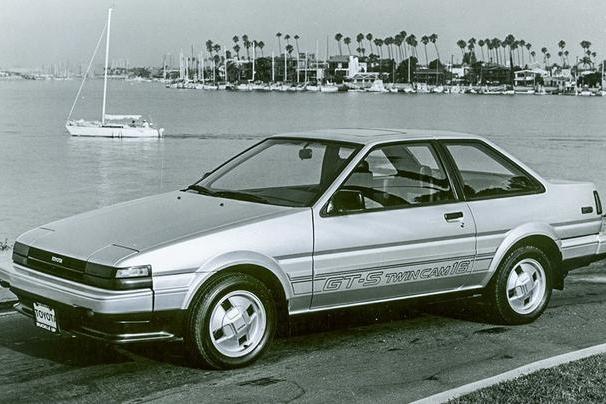 """这三款车型成就了丰田""""开不坏""""的口碑,每一辆都是情怀"""