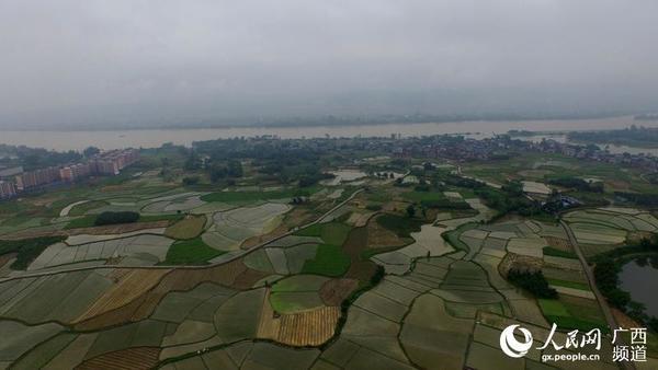 5月6日在广西柳州市融安县浮石镇长龙村航拍的田园美