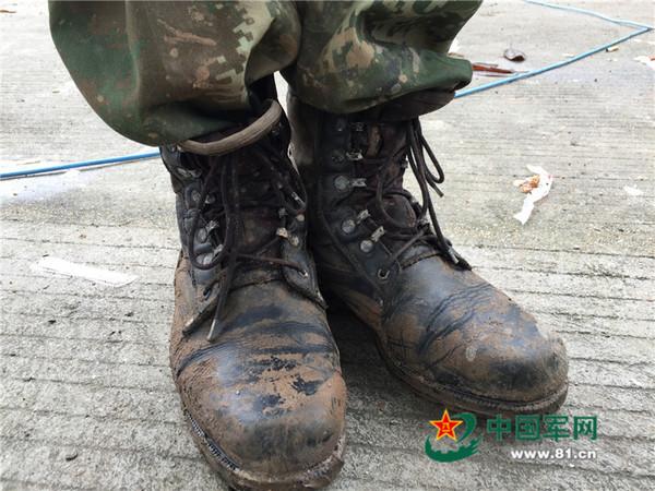如何修鞋子步骤图解