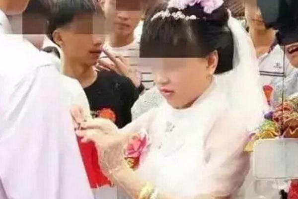 14岁男女孩接吻视频