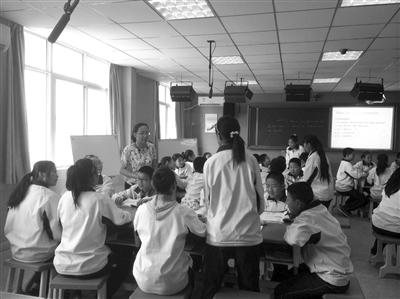 作为一所建校59年的陕西省标准化高中,   西安   市第十一中学始终围图片