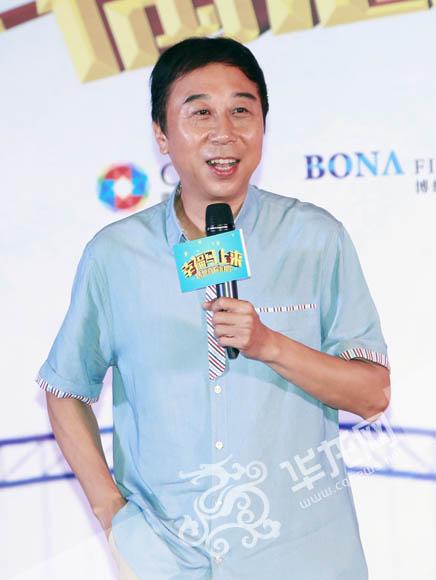 冯巩一人身兼电影《幸福马上来》的导演、编剧、主演数职于一身。 首席记者 李文科 摄
