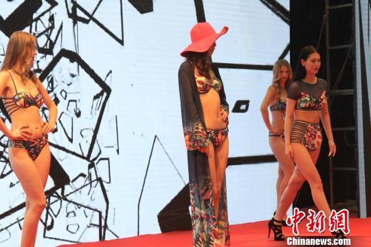葫芦岛泳装文化博览会打造中国北方创意海岸线