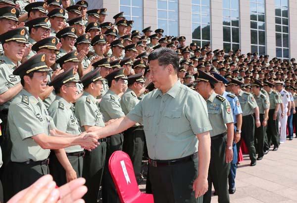 回顾:习主席的八一军营足迹图片