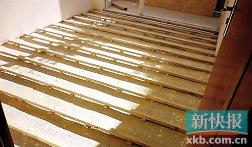 才能铺实木地板