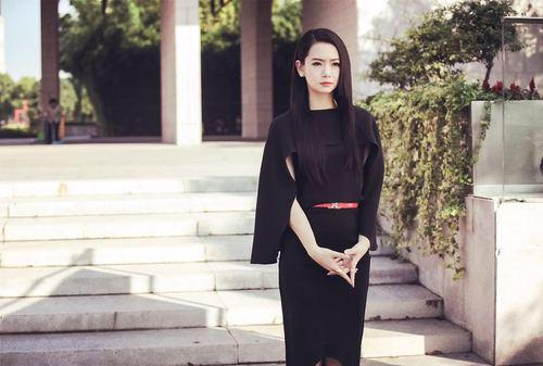 由滕华涛监制,林妍导演,改编自张晓晗畅销小说的电视剧《你好,乔安》
