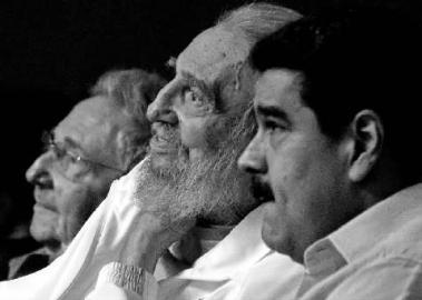 古巴现任领导人劳尔·卡斯特罗(左)、古巴革命领袖菲德尔·卡斯特