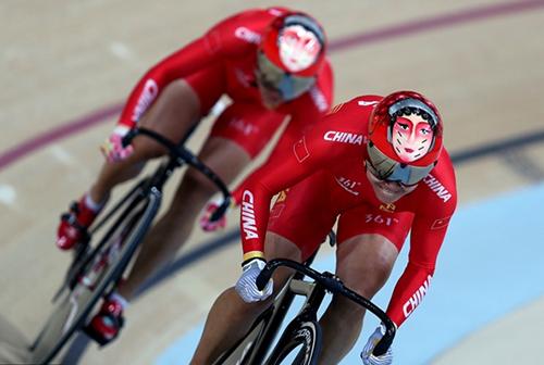 脸谱头盔被山寨 设计团队称绝不会量产图片