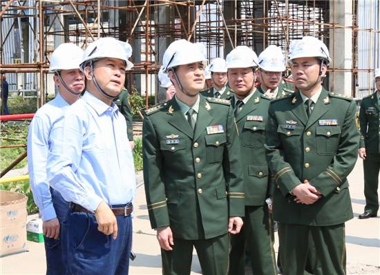 福建消防总队王文生总队长带领漳州消防支队领导上门服务重点项目