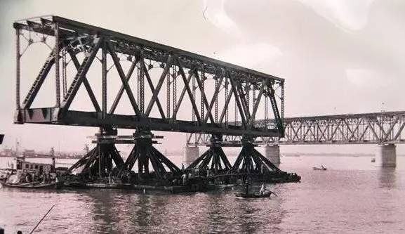 钱塘江大桥,祝你79岁生日快乐!
