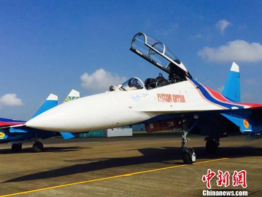 苏-27作为表演飞机的飞行表演队