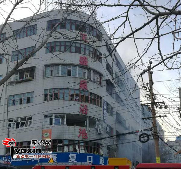 乌鲁木齐东后街一住宅天然气闪爆