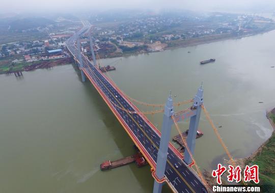 壮观的枫溪大桥。 杨华峰摄