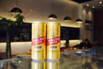 而高品质低价格的青岛啤酒皮尔森来的正是时候.