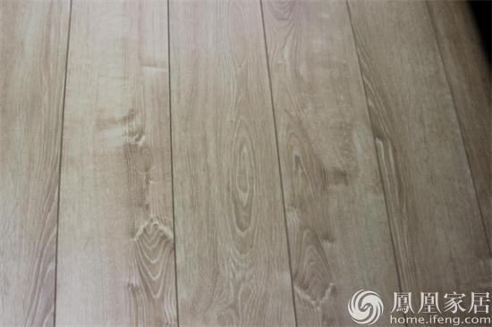 月牙泉强化木地板 产品型号:pk6192