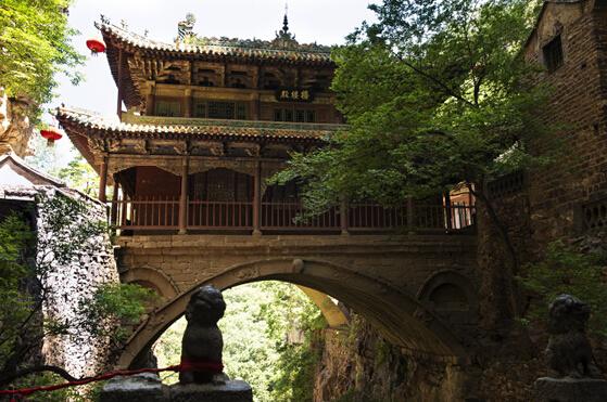 桥楼殿近景。 图片来源于网络