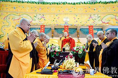 中佛协副会长静波大和尚极乐寺传授八关斋戒