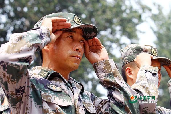 """""""雷达专家""""怎么炼成?一级军士长入伍26年4次经历改革"""