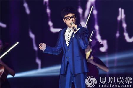 王铮亮跨年献唱《驴得水》主题曲 温馨感人