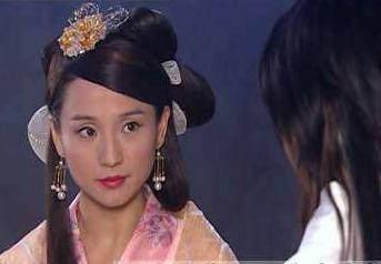 孔琳版黄蓉_走红之后孔琳拍了黄晓明版的《神雕侠侣》,在里面饰演黄蓉,虽然名气没