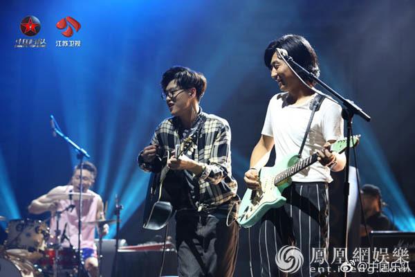啝乐队一曲《神笔马良》引爆《中国乐队》现场气氛
